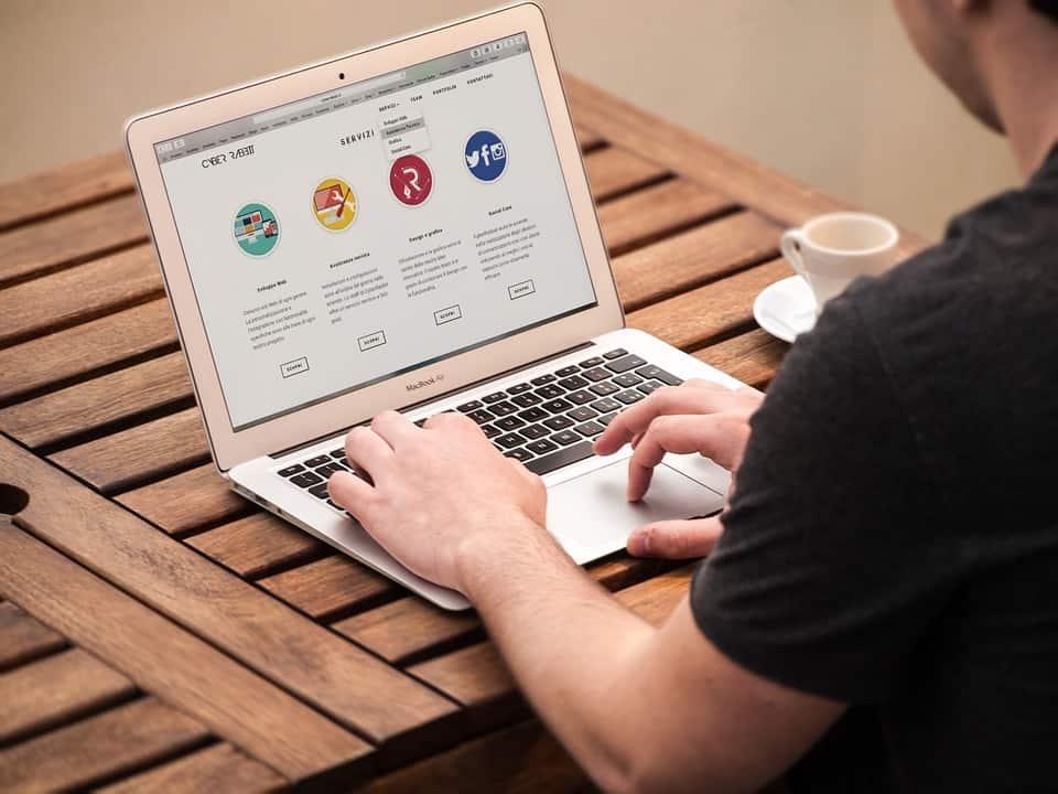 Comment le thème de votre site web affecte le référencement naturel